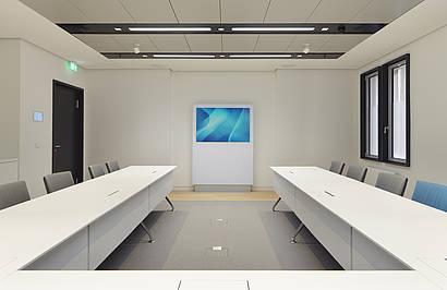 Medienstele: MIDS | Konferenztisch:xcone